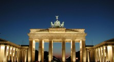 the-brandenburg-gate-has-become-an-iconic-symbol-of-reunified-berlin[1]